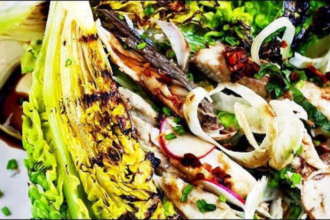 Makrellsalat med grillet hjertesalat Oppskrift