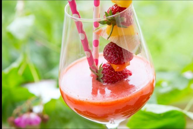 Mocktail med jordbær Oppskrift