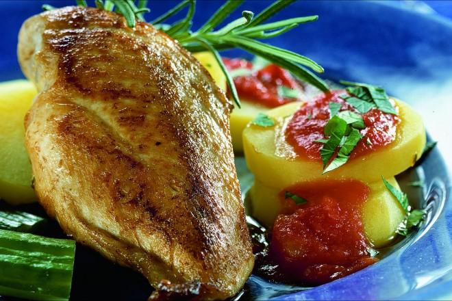 Stekt kyllingfilet med rosmarinsaus Oppskrift