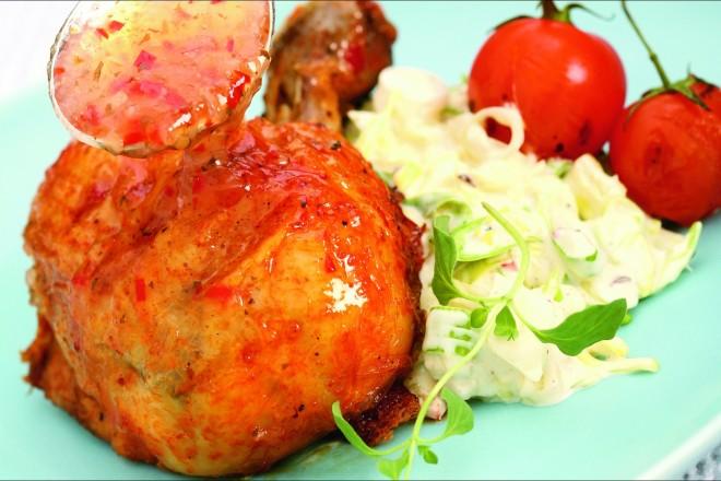 Kyllingklubber med rabarbraglaze og chilicoleslaw Oppskrift