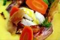 Fiskeboller med karrisaus, gulrot og bacon Oppskrift
