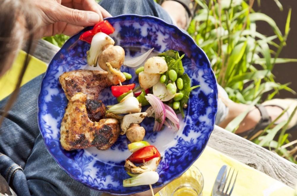 Grønnsakspyd og kyllingvinger Oppskrift
