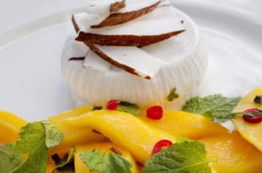 Panna cotta med kokos og het mango Oppskrift
