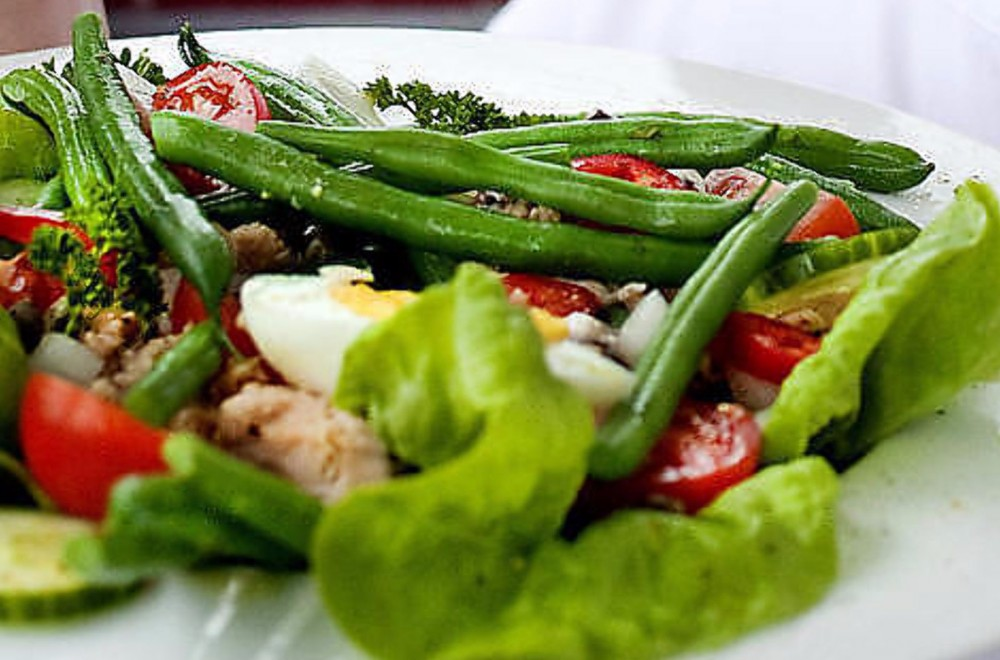 Salat niçoise med ansjos og tunfisk Oppskrift