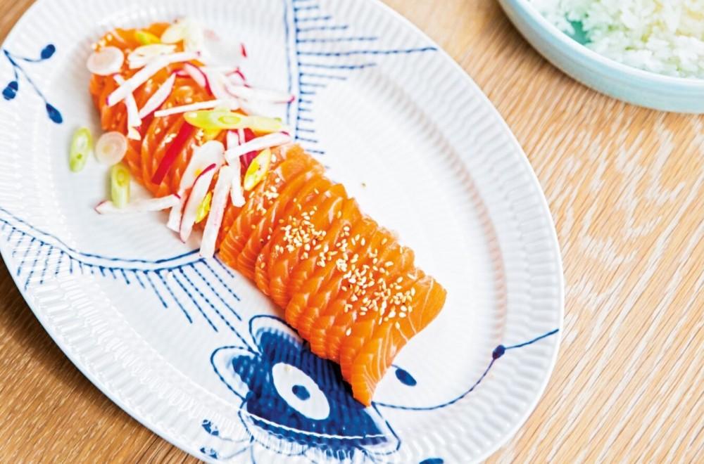 Sashimi med brokkoli-fritters  Oppskrift