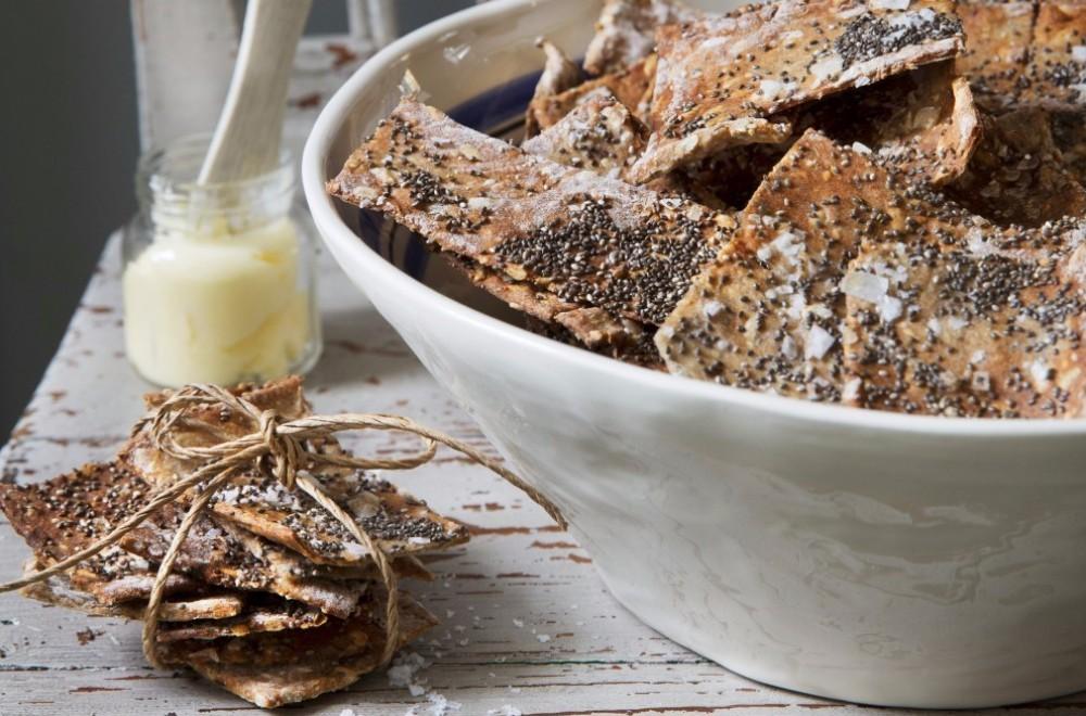 Knekkebrød med chia- og solsikkefrø Oppskrift