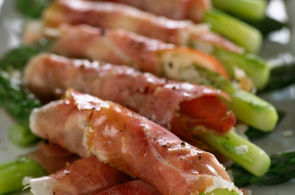 Asparges og parmesanost ispekeskinke Oppskrift