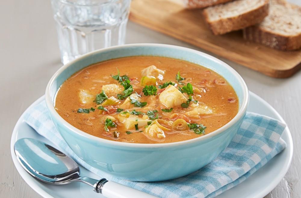 Fiskesuppe med torsk og tomater Oppskrift