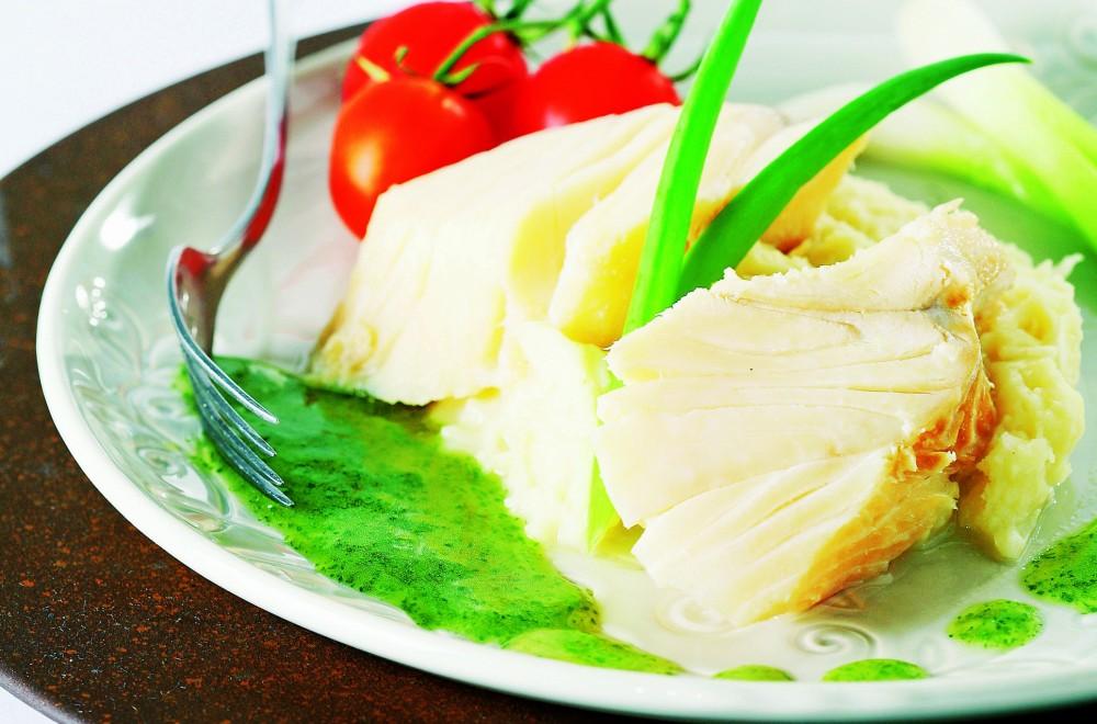Klippfisk med potetmos og grønn saus Oppskrift