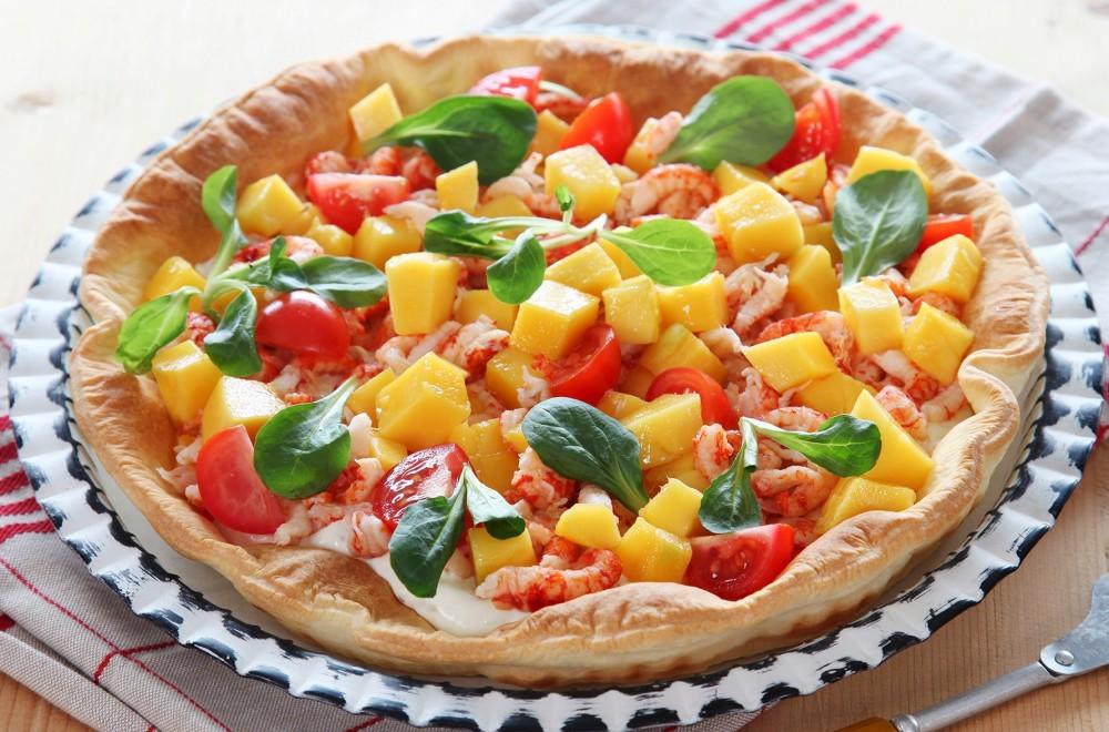 Fargerik pai med krepsehaler og mango Oppskrift