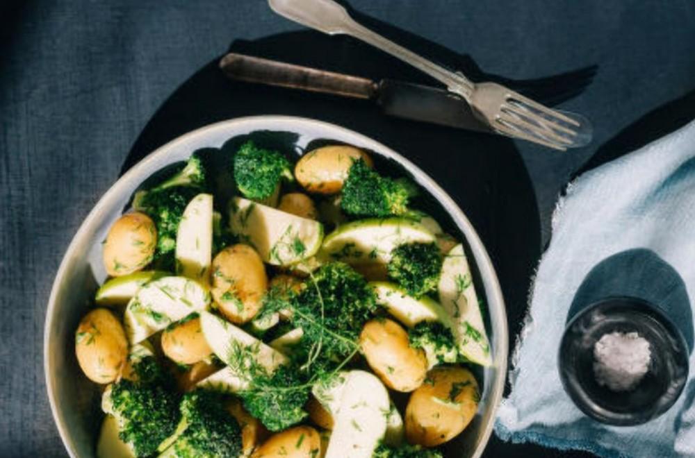 Brokkoli- og potetsalat med sennepsdressing Oppskrift