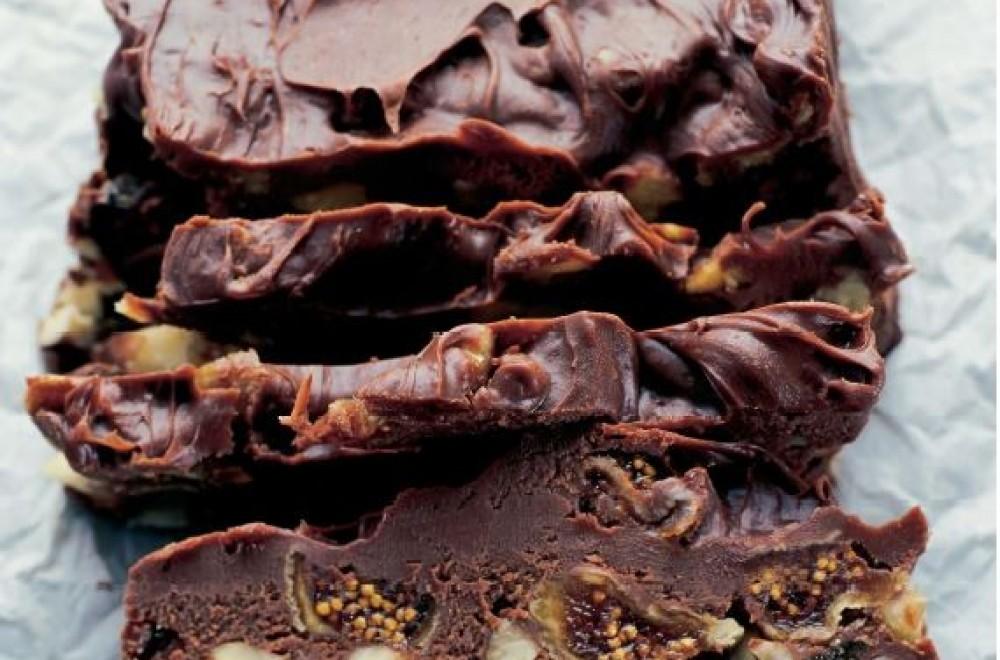 Trude Teiges Delfiakake med frukt og nøtter Oppskrift