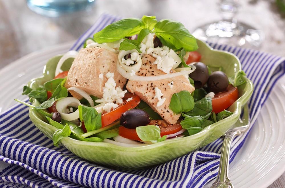 Gresk salat med laks Oppskrift